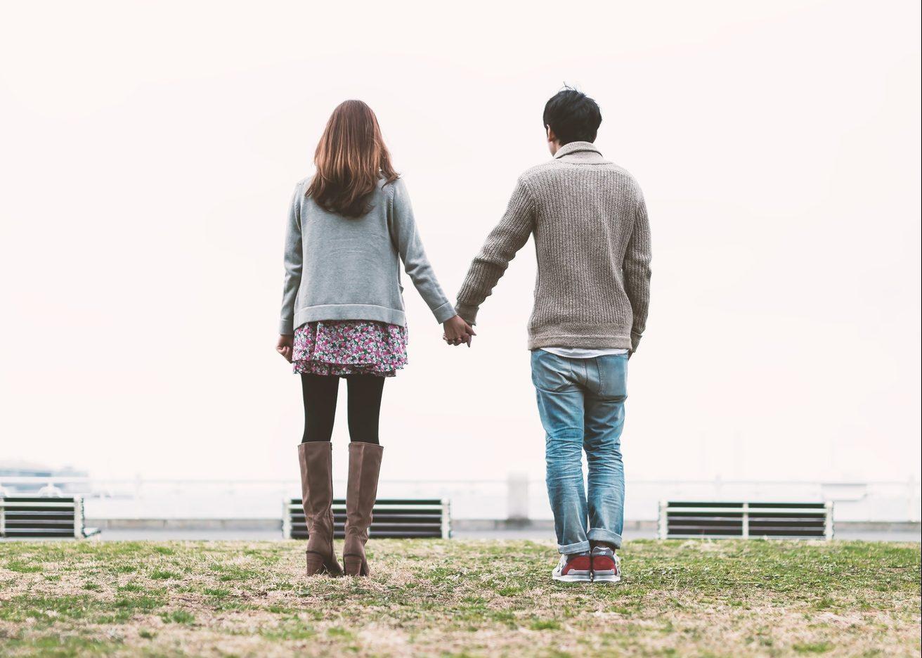 ドキドキ?付き合う前に手をつなぐ男性心理を教えちゃいます!