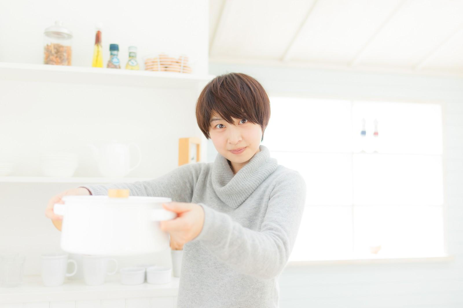 台所・システムキッチンの上手な収納術!隠すと見せるを使い分ける方法♪