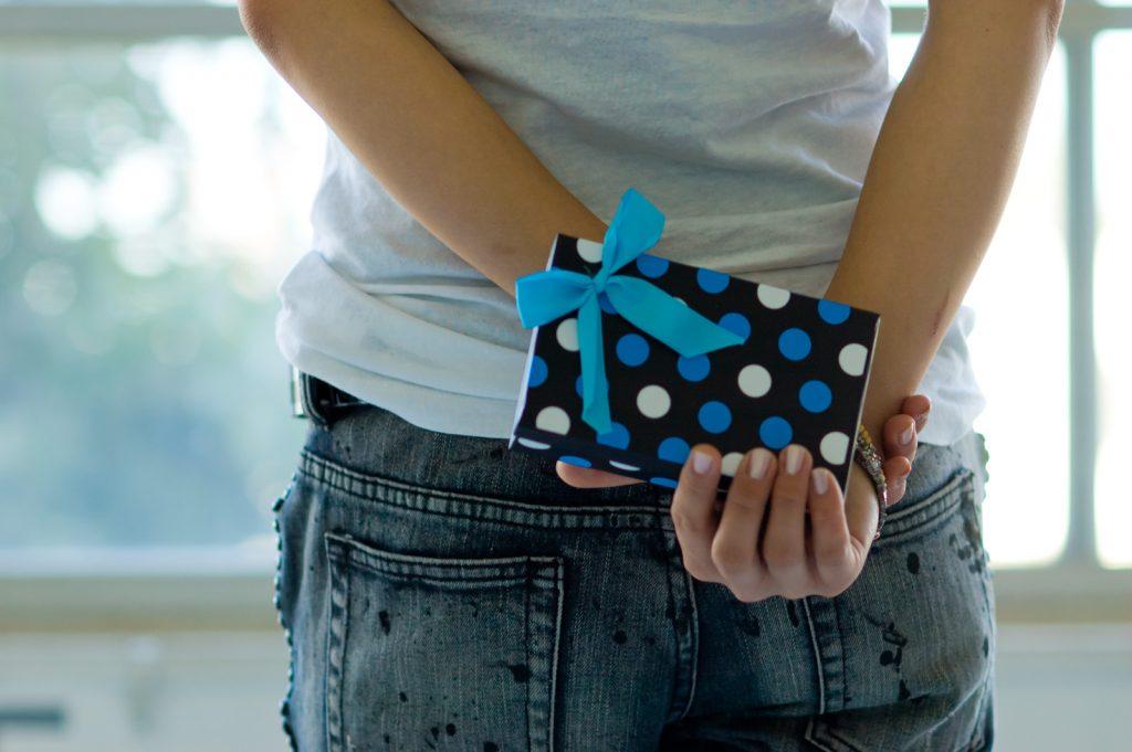 女友達の誕生日プレゼントの選び方|困った時は地元のものがベスト?